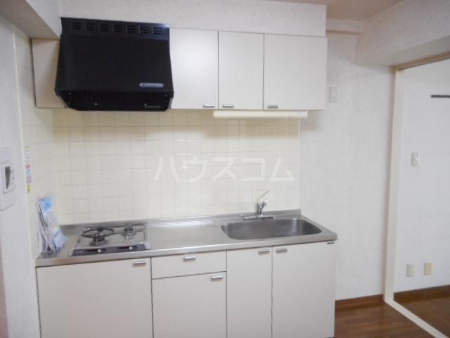 メゾンラフィーネ 03050号室のキッチン