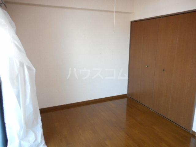 メゾンラフィーネ 03050号室の収納