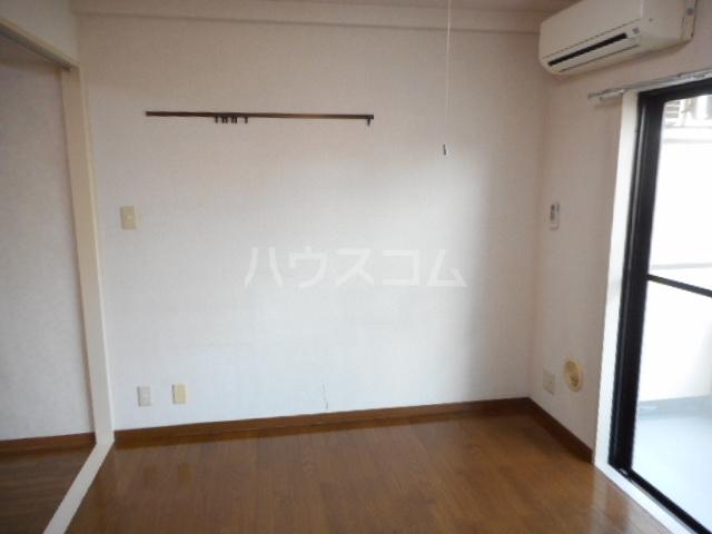メゾンラフィーネ 03050号室の洗面所