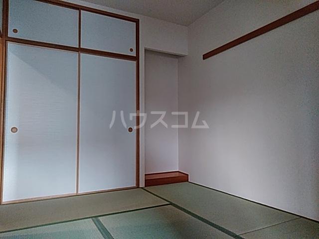 クリサンテーム妙典 312号室の居室