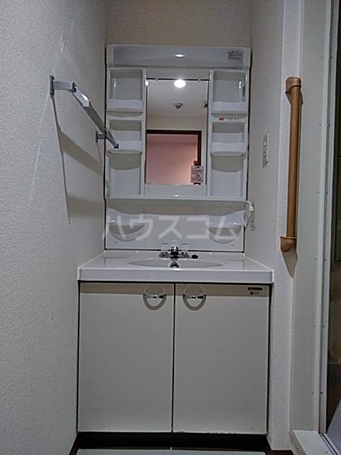 クリサンテーム妙典 312号室の洗面所