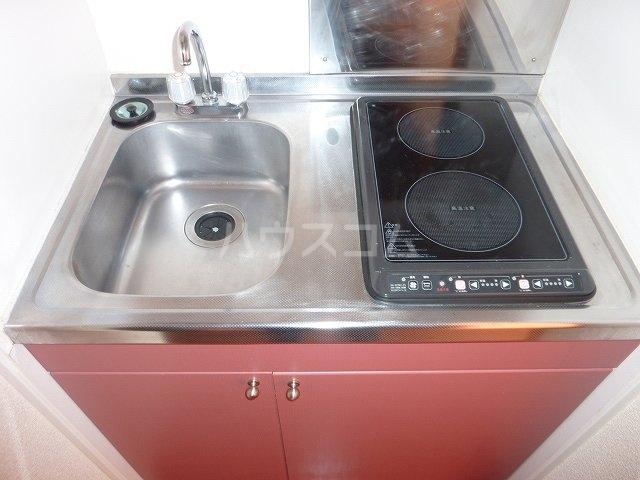 レオパレス拓 205号室のキッチン