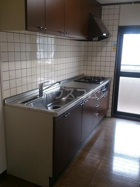 アミッドグリーン大濠 501号室のキッチン