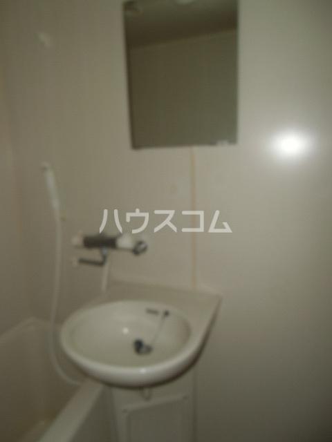 パレスカモメ 103号室の洗面所