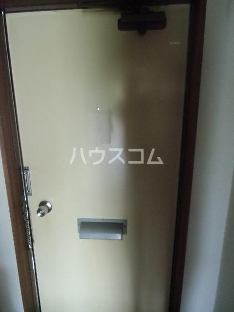 パレスカモメ 103号室の玄関