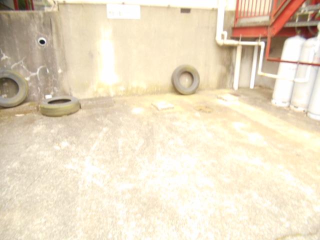 ハイグレード永山 201号室の駐車場