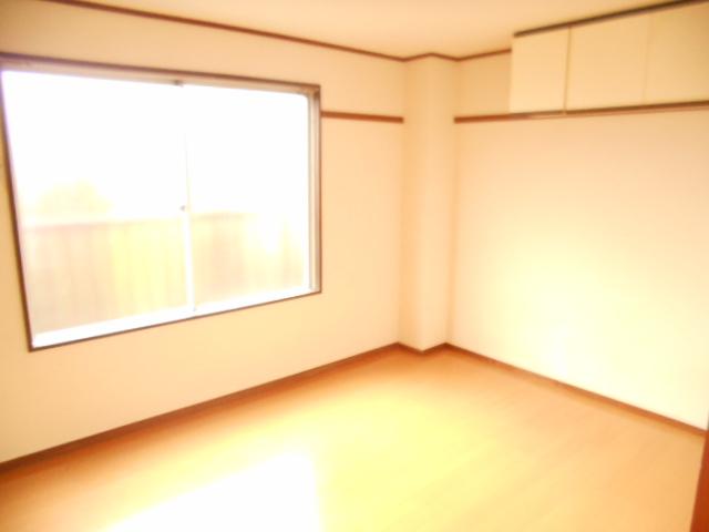 ハイグレード永山 201号室のリビング