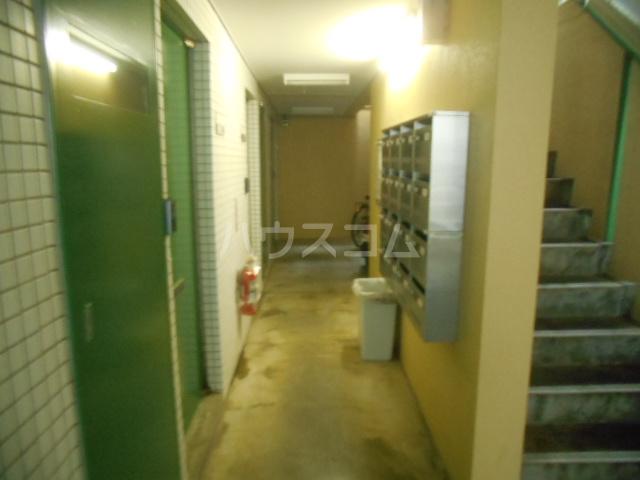 フレスコ永山 303号室のエントランス