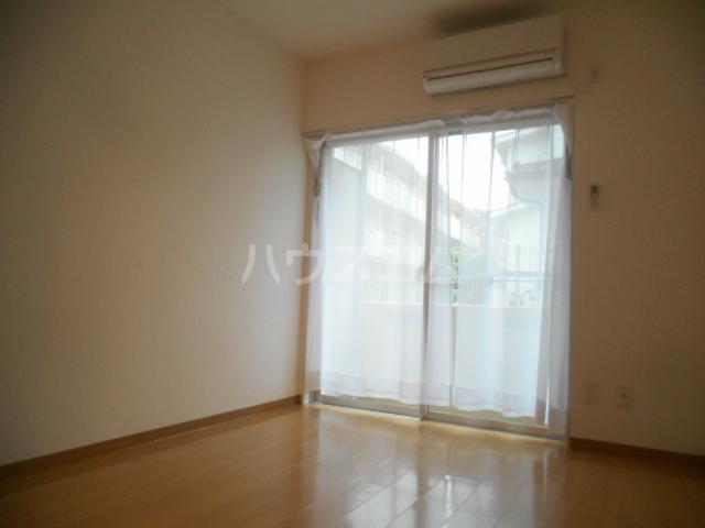 フレスコ永山 303号室のリビング