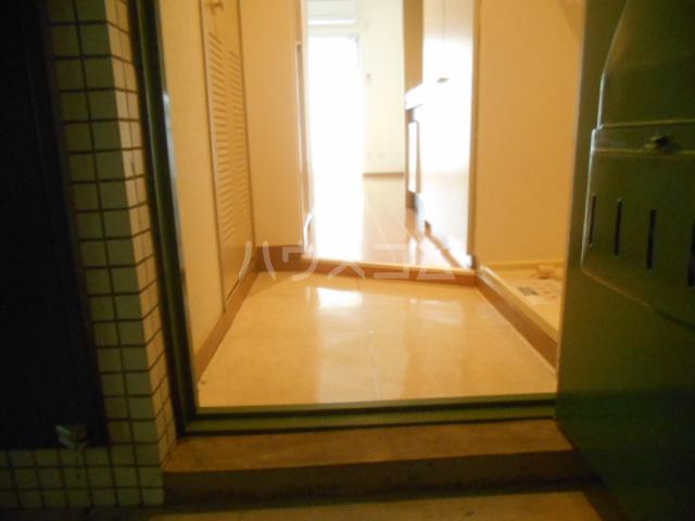 フレスコ永山 303号室の玄関