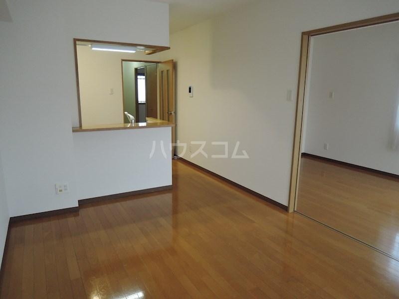 カンタービレ 301号室のリビング