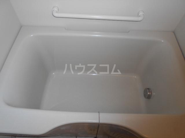 グランドエンブレム横浜 202号室の風呂