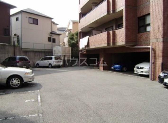 サンヴェール 601号室の駐車場