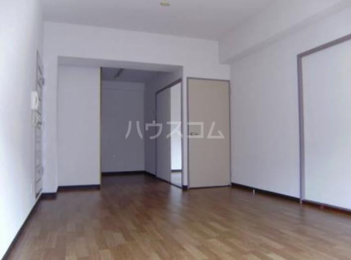 サンヴェール 601号室のリビング