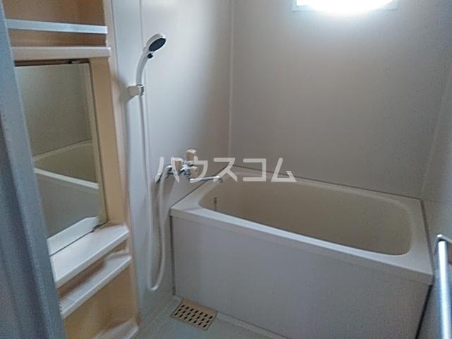 アーバンライフ横落 A 102号室の風呂