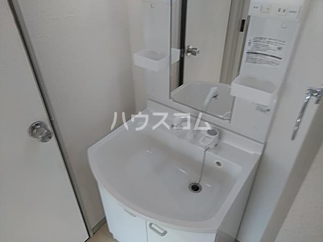 アーバンライフ横落 A 102号室の洗面所