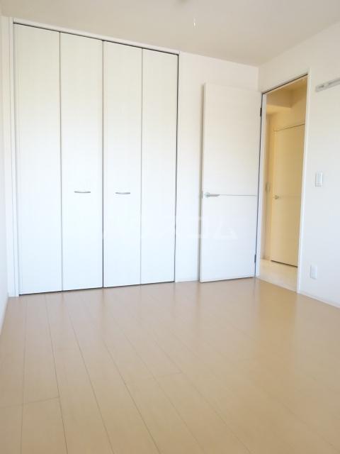 ヴァン・クレール 102号室の居室