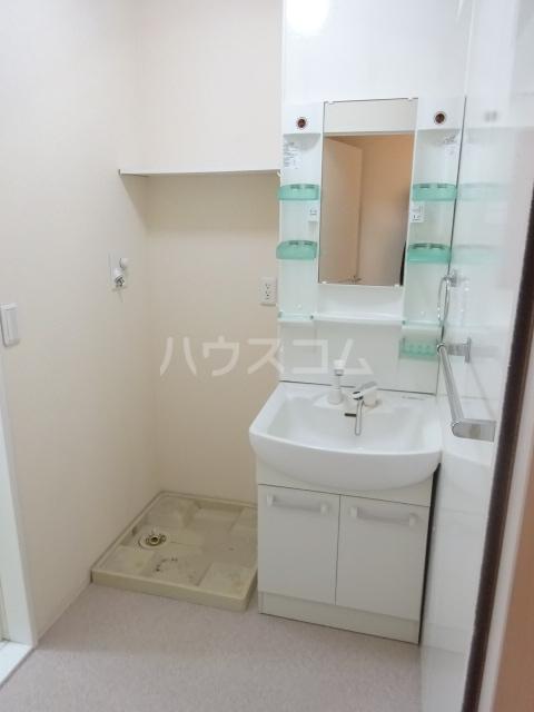 ヴァン・クレール 102号室の洗面所