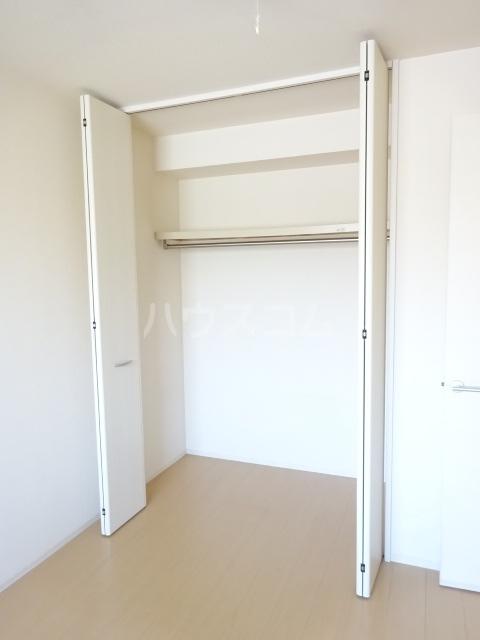 ヴァン・クレール 102号室の収納