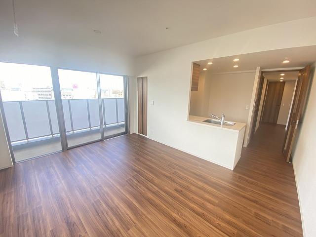 ザ・パークハウス本厚木タワー 1101号室のリビング