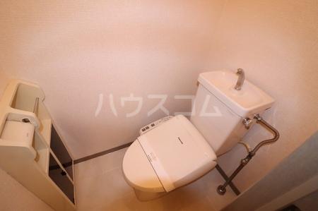 セジュールソフィアⅢ 105号室のトイレ