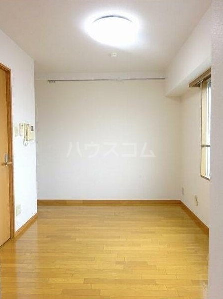 ABCステーションプラザ新宿中井 302号室のエントランス