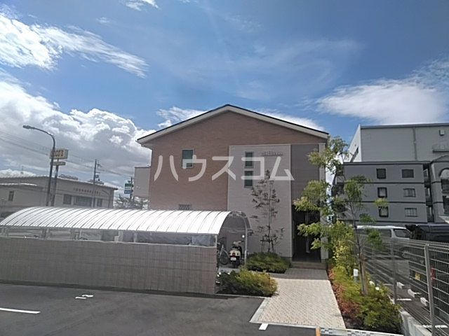 ファミーユ大阪高槻外観写真