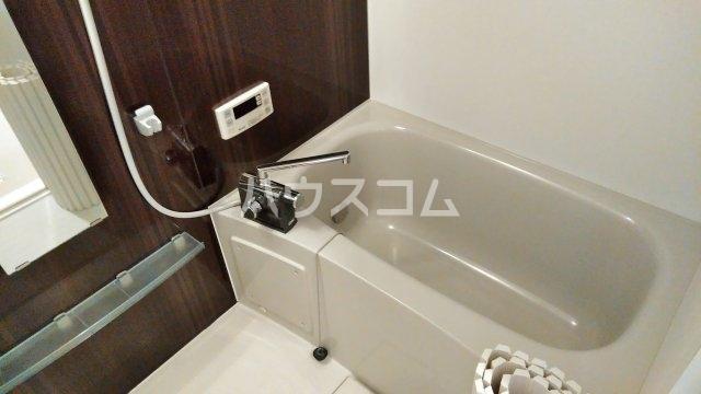アヴェニール服部 102号室の風呂