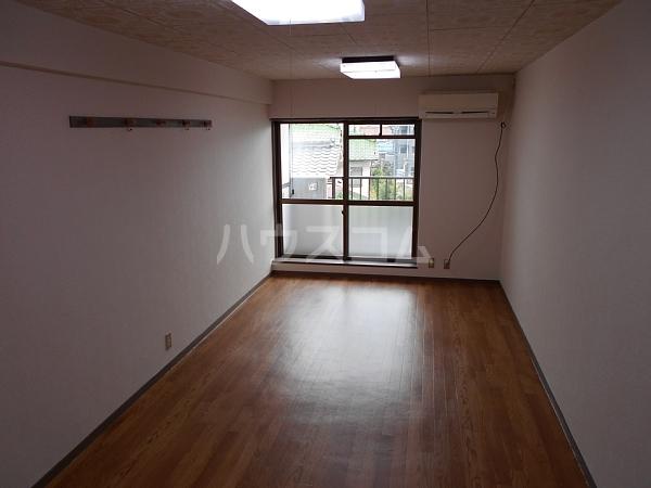第2住吉ハイツ 20B号室のリビング