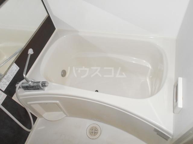 イースト・ラ・フォンテ 201号室の風呂