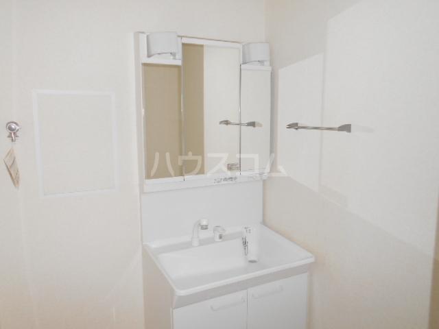 イースト・ラ・フォンテ 201号室の洗面所