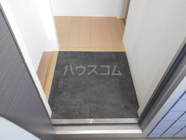 イースト・ラ・フォンテ 201号室の玄関