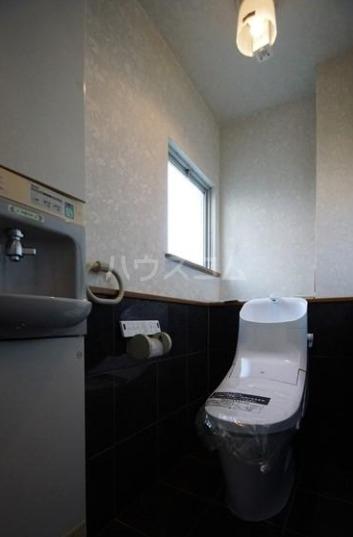 若久4丁目戸建のトイレ