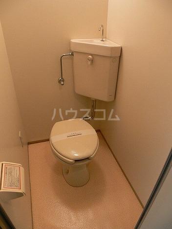 クレセール平和 301号室のトイレ