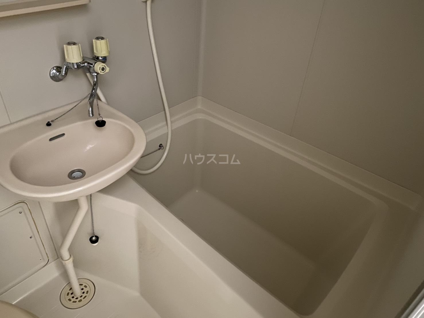 クレア湘南 203号室の風呂