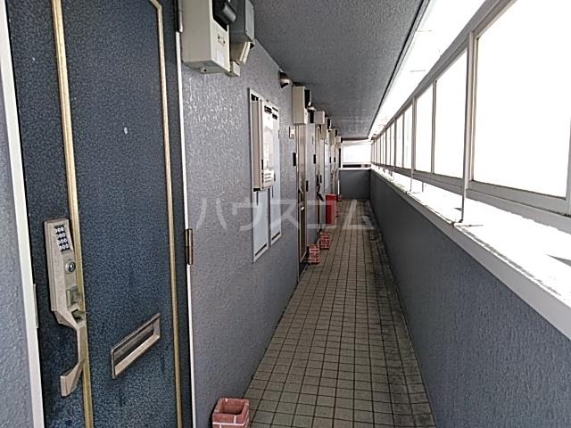 クレア湘南 203号室のエントランス