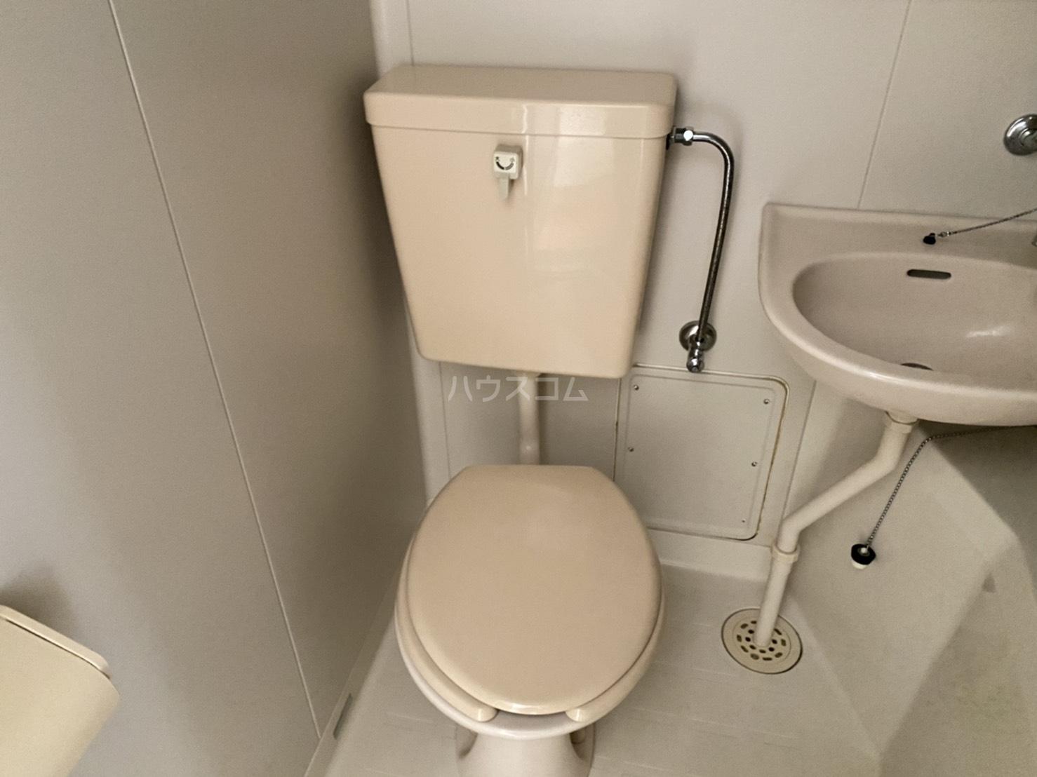 クレア湘南 203号室のトイレ