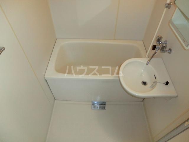 パレ・ソーカル 101号室の風呂