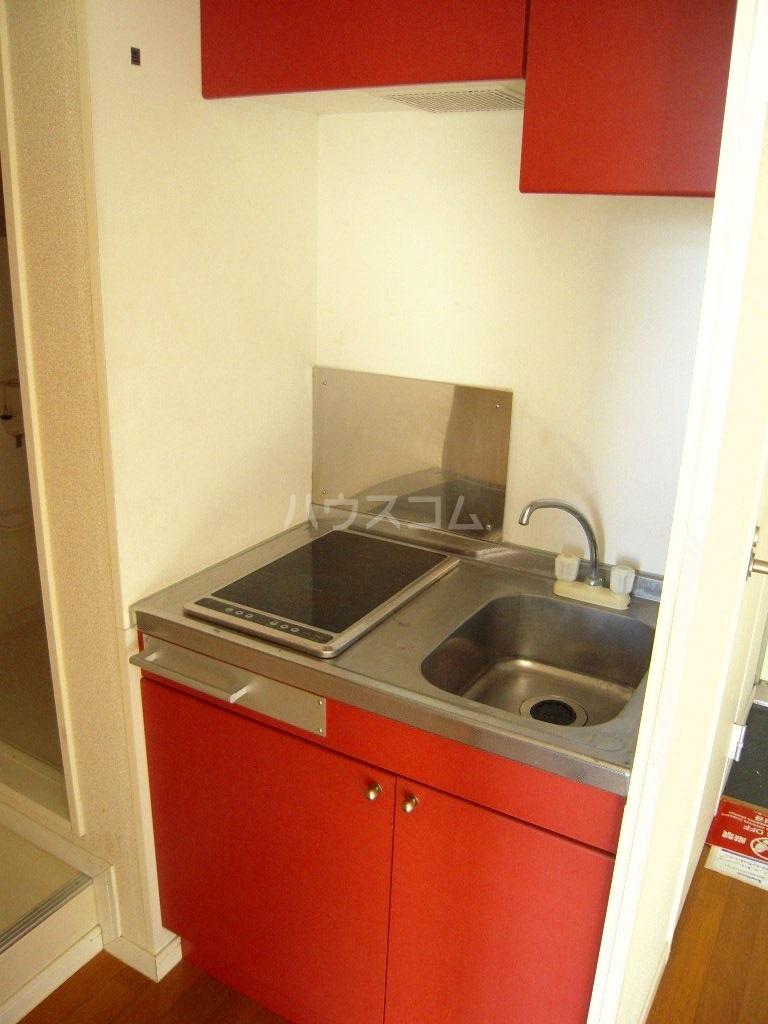 レオパレスケイツハイムB 101号室のキッチン