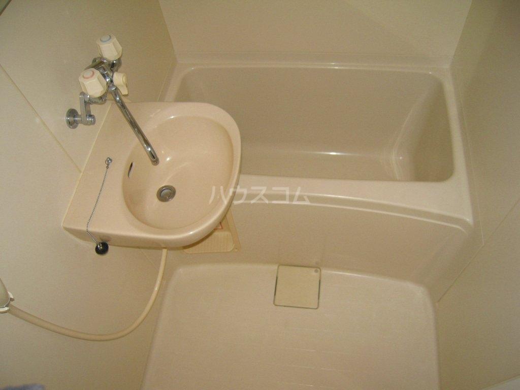 レオパレスケイツハイムB 101号室の風呂