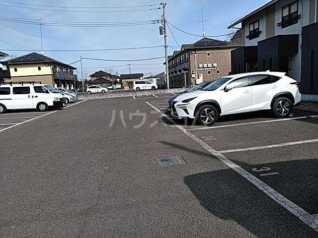 YKホームⅣの駐車場