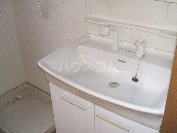 プランドール葉室B棟 101号室の洗面所