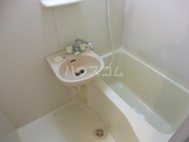 ヴィラ・ファミーユB棟 107号室の風呂