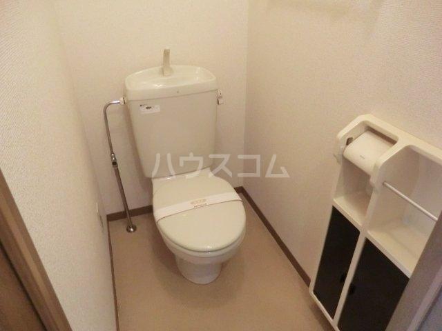 ヴィラ・ファミーユB棟 107号室のトイレ