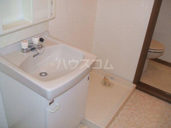 グランデ駿河台 104号室の洗面所