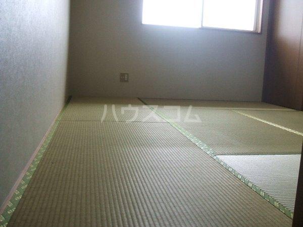 グランデ駿河台 104号室の居室