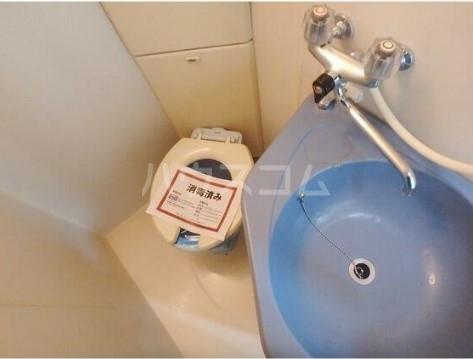 AQUAレジデンス中井 207号室のトイレ