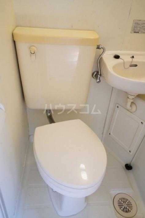 プチネスト上池 105号室のトイレ