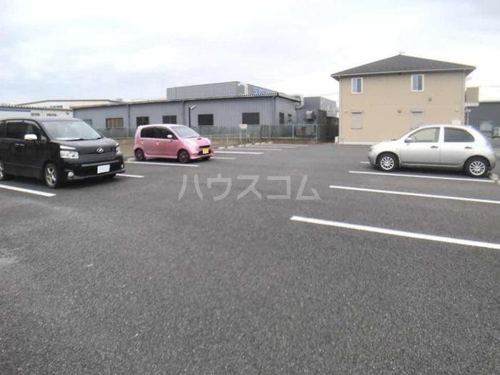 CasaⅢ 101号室の駐車場