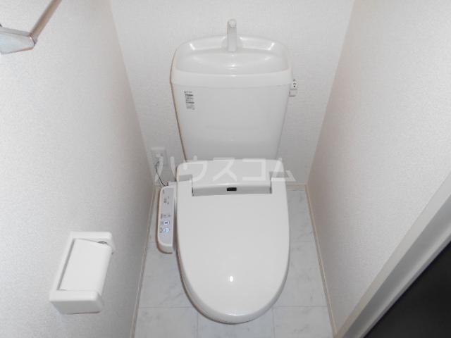 CasaⅢ 101号室のトイレ